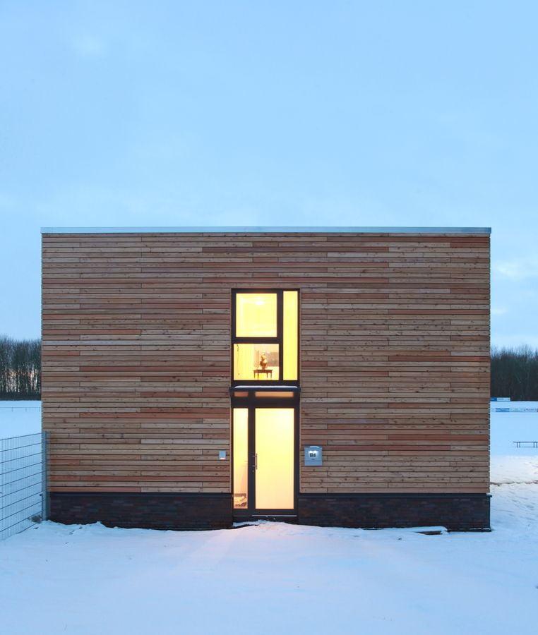 PLA- Eingang mit Vordach