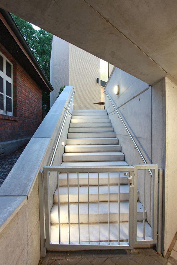 DIA- Treppe Innenhof