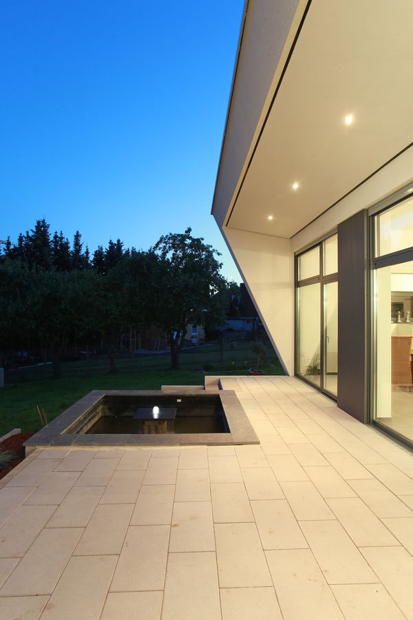 Terrasse mit Brunnen