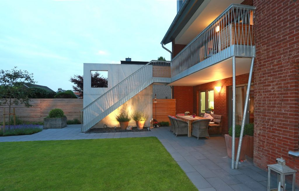 Gartentreppe 2