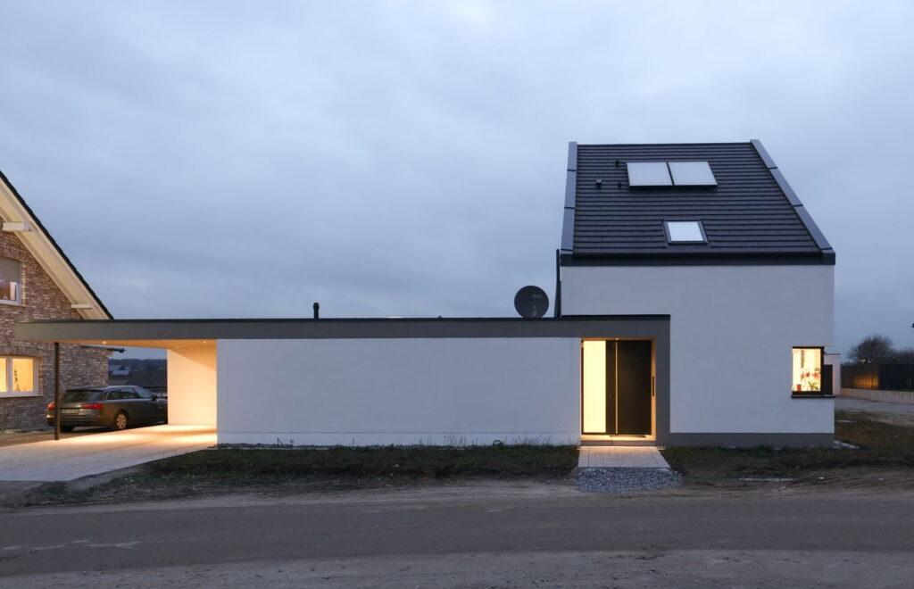 GAB- Haus mit Carport